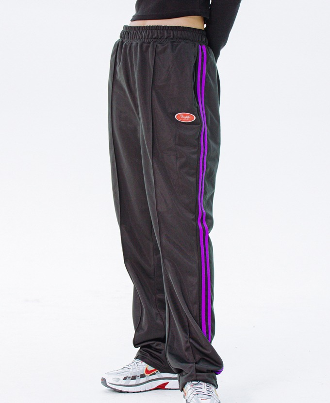 DAYLIFE LINE TRACK PANTS (BLACK)